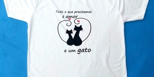 Camiseta Amor e um Gato